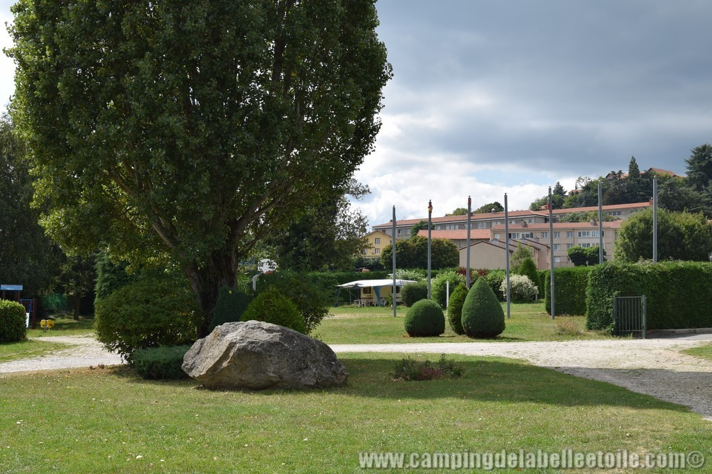 emplacement camping forez